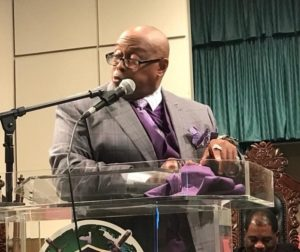 Pastor Who Uses Cussing to Draw Millions Does Not Provide a Da*n What You Think That
